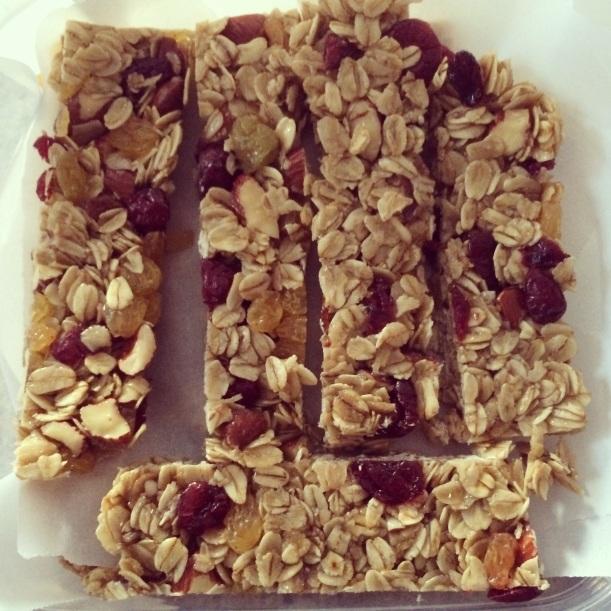 Almond, Raisin & Cranberry Granola Bars